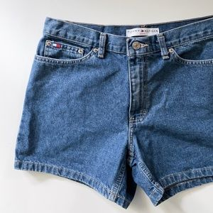 High waisted Tommy shorts